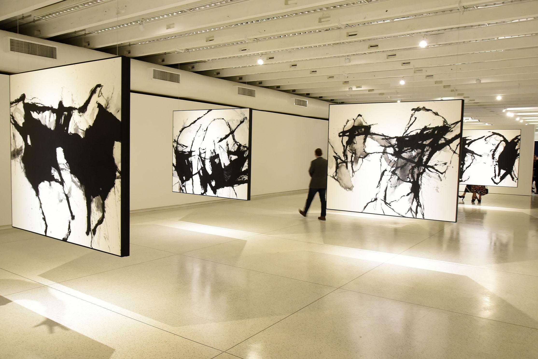 """Aberturas das exposições """"O que é original?"""" do artista Marcelo Conrado e """"Mestre de Obras"""" de Ivens Machado no Museu Oscar Niemeyer (MON). Curitiba, 11 de abril de 2019. Foto: Kraw Penas/SEEC"""