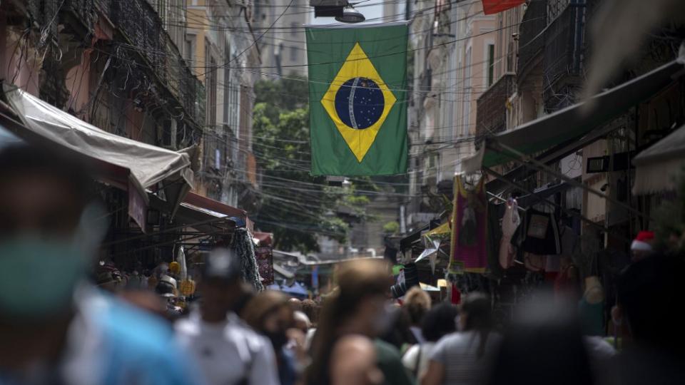 Auxílio emergencial moveu a economia do Brasil em 2020. O que vem agora?