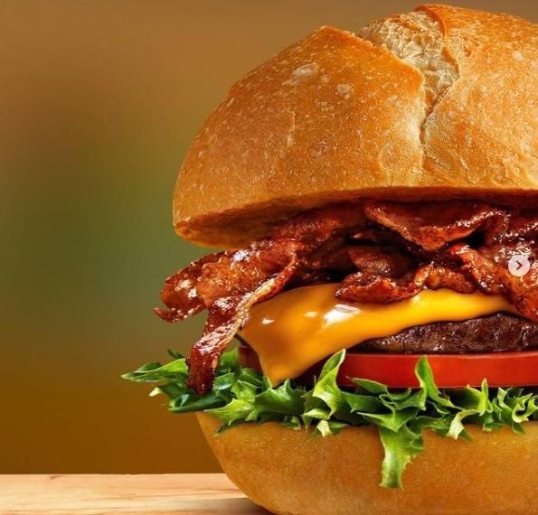 O hambúrguer do Madero é o carro-chefe da marca. Foto: Divulgação