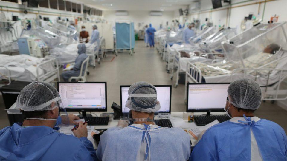 Brasil tem 1.316 mortes por Covid-19 nas últmas 24h e chega a 214.147 óbitos