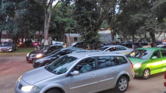 Festa em casa de eventos reunia 400 pessoas em Curitiba.