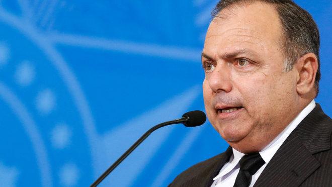 Fritado e na mira da PGR e do STF: como fica a situação de Pazuello no governo