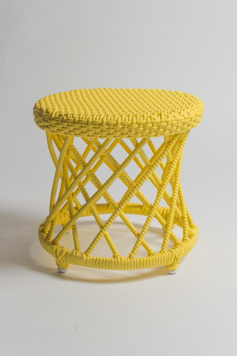 Banquinho Carretel Amarelo Pantone