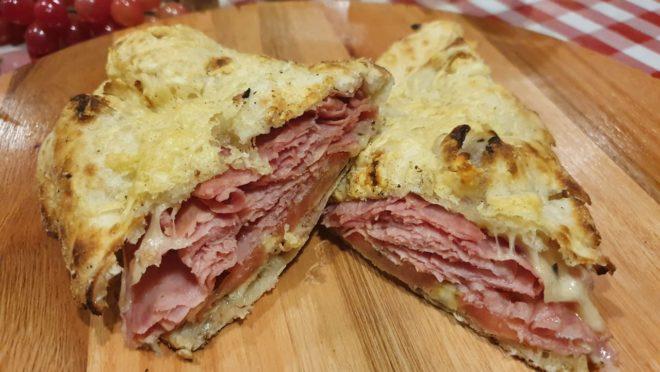 Sanduíche italiano é um dos destaques do cardápio do Armazém Colônia.