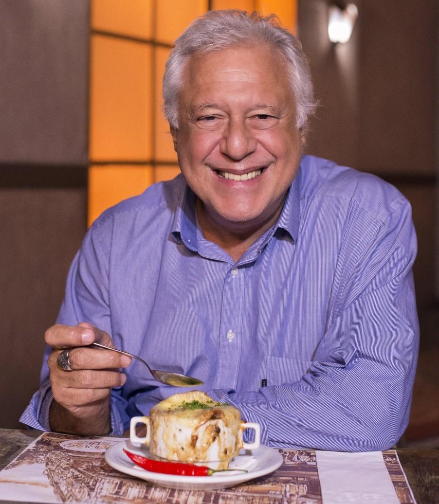 A sopa de cebola do Paris 6 leva o nome de Antonio Fagundes. Foto: Divulgação/Paris 6