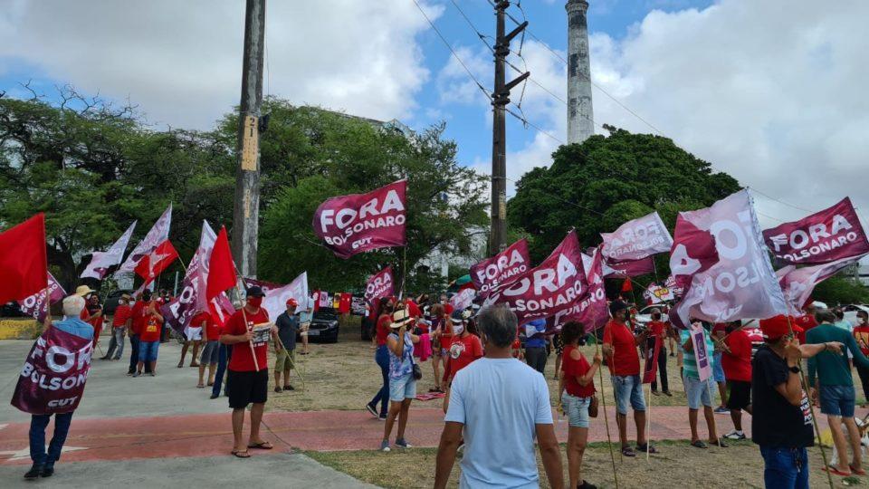 Cidades registram protestos pedindo impeachment de Jair Bolsonaro
