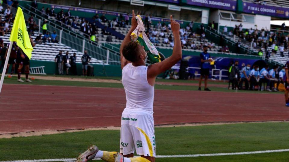 Com gol de ex-Athletico, Defensa y Justicia bate Lanús e leva a Sul-Americana