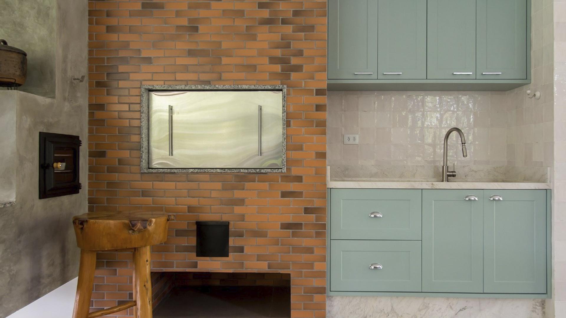 As cores se harmonizam com diversos padrões, como concreto, tijolos aparentes e porcelanatos.
