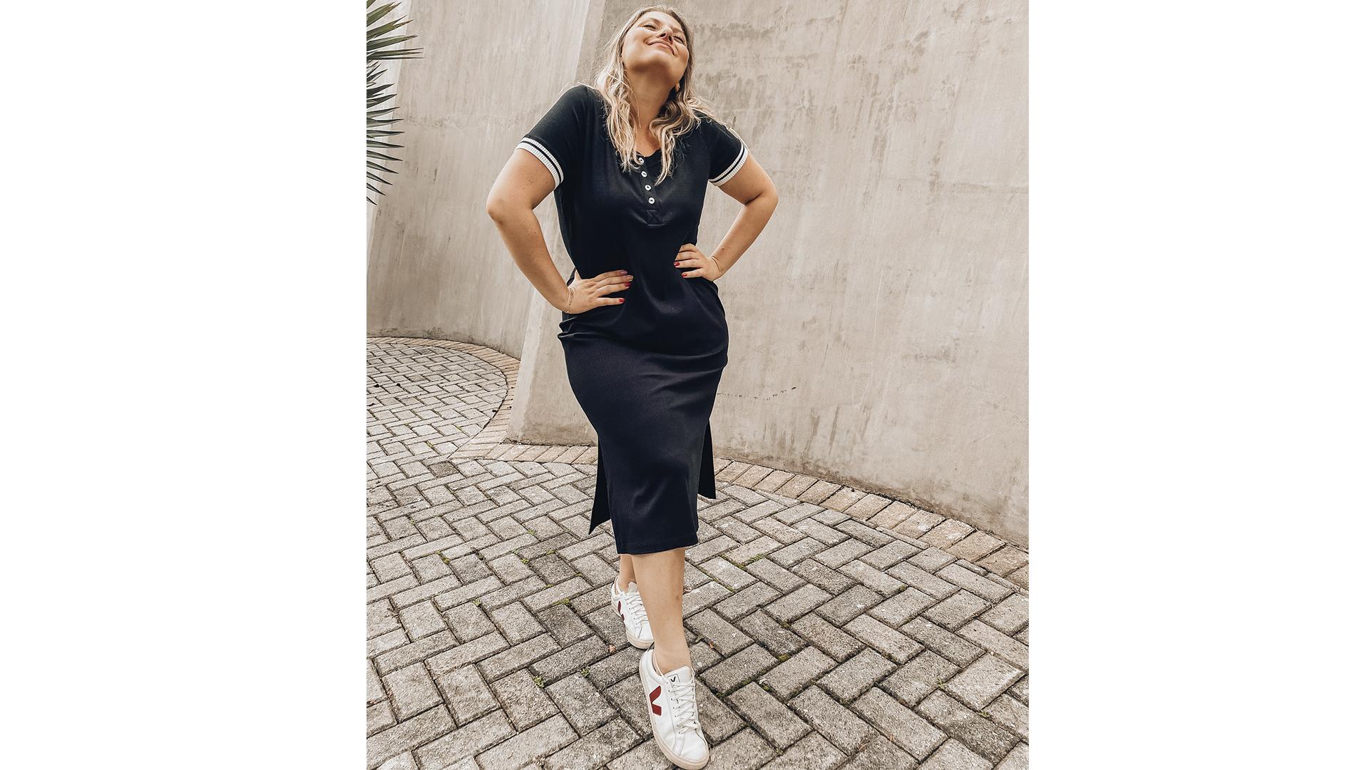 Todas as mulheres podem e devem ter um vestido tubinho no armário. Esqueça o preto e invista nas cores, como o azul marinho.