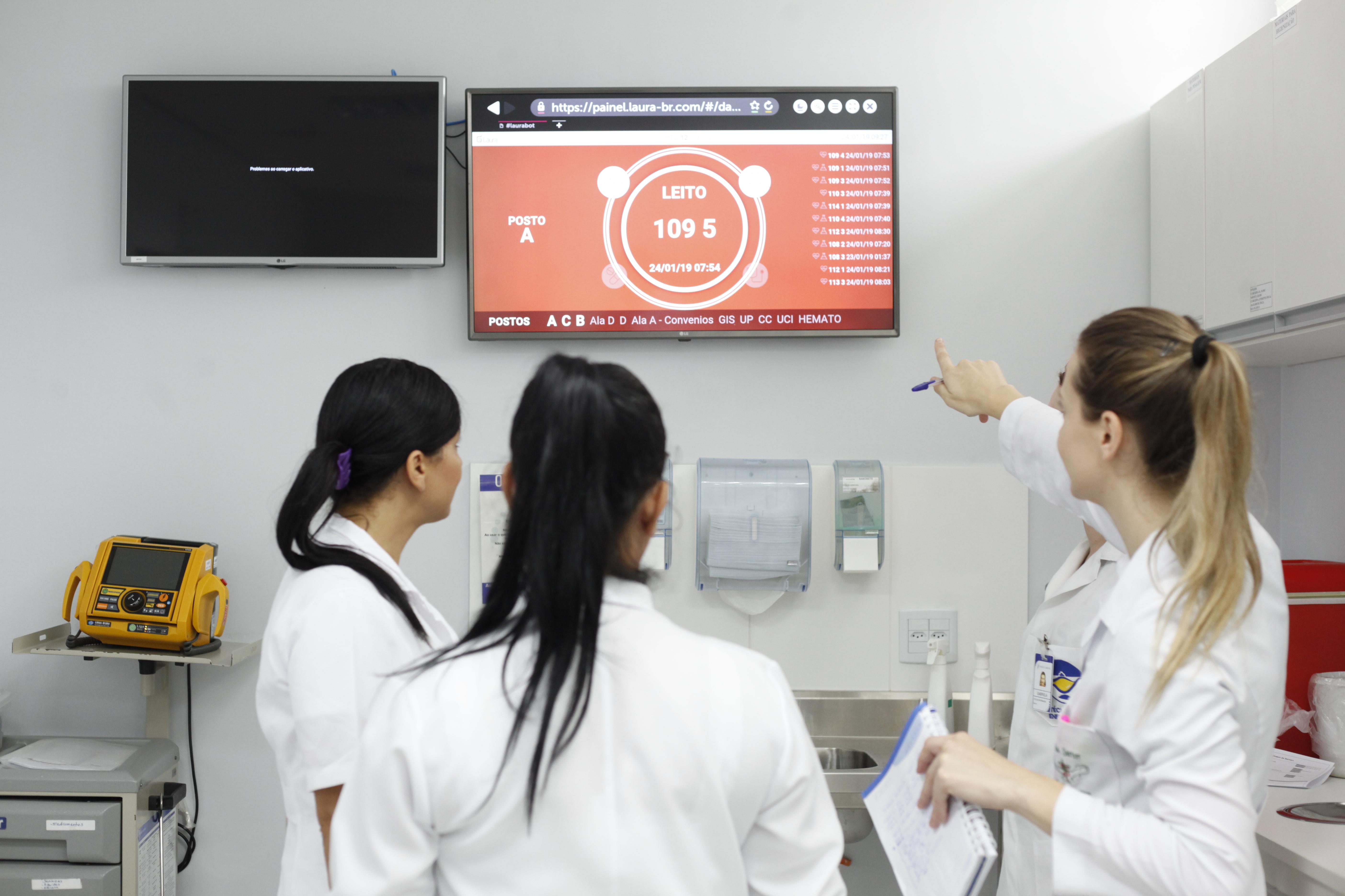 Tecnologia na saúde - Robô Laura