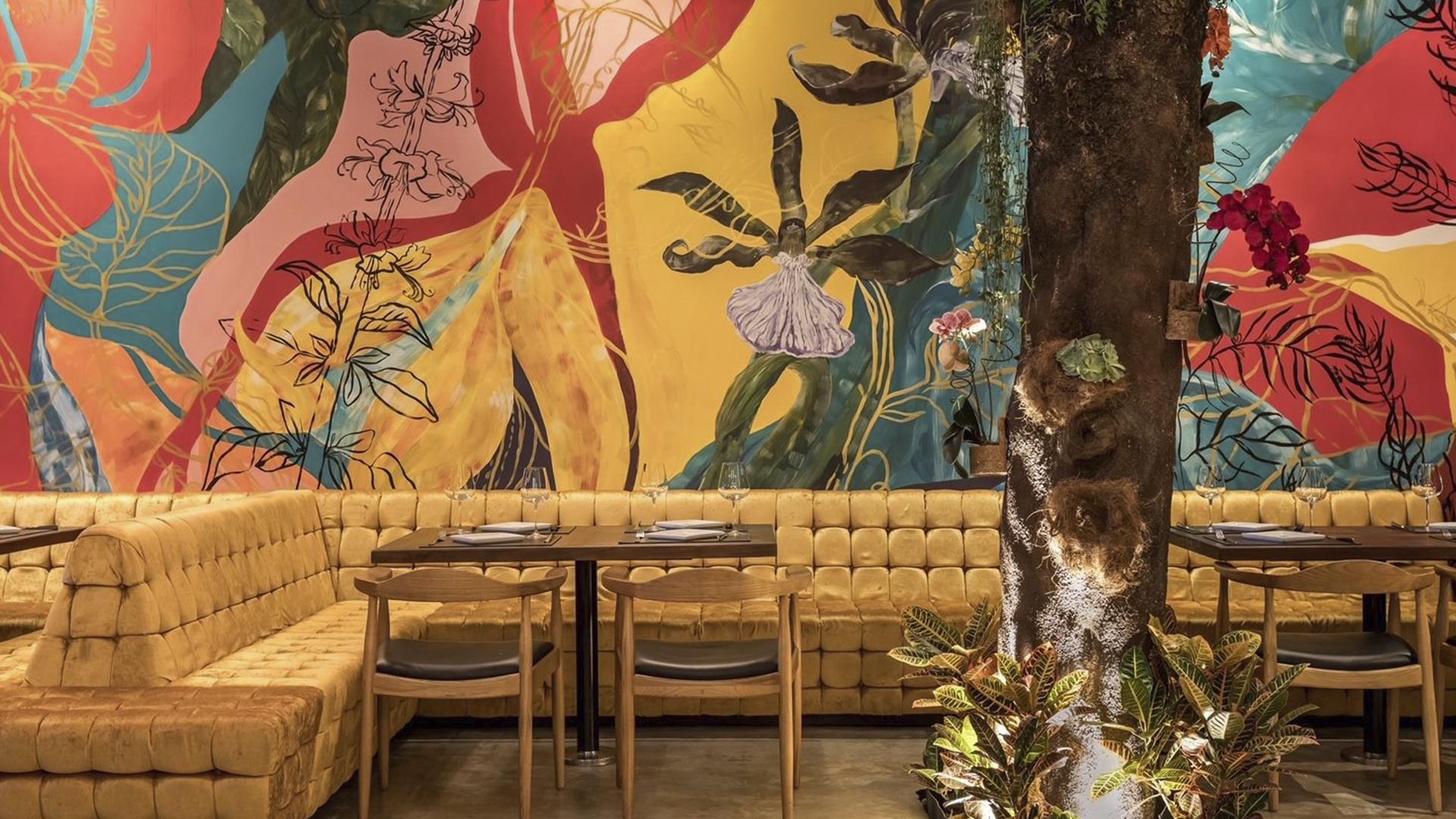 O ambiente busca a descontração para proporcionar experiência gastronômica moderna