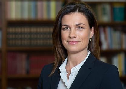 Judit Varga, ministra da Justiça da Hungria, alerta para o perigo do imperialismo digital