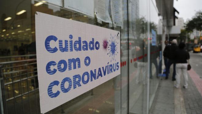 Paraná planeja ações para evitar colapso com novo avanço da Covid-19