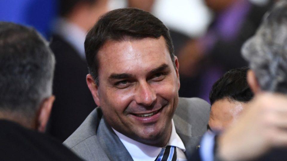 Ministro do STJ mantém anulação da quebra de sigilo de Flávio Bolsonaro