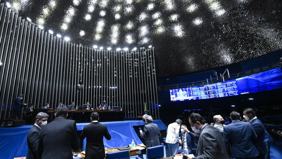 Senado aprova retomada da dispensa de licitação na pandemia
