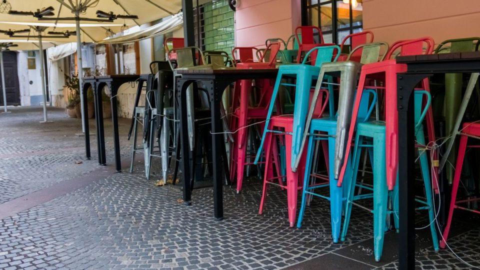 Abrasel critica novo lockdown em São Paulo enquanto Ceará concede benefícios aos restaurantes