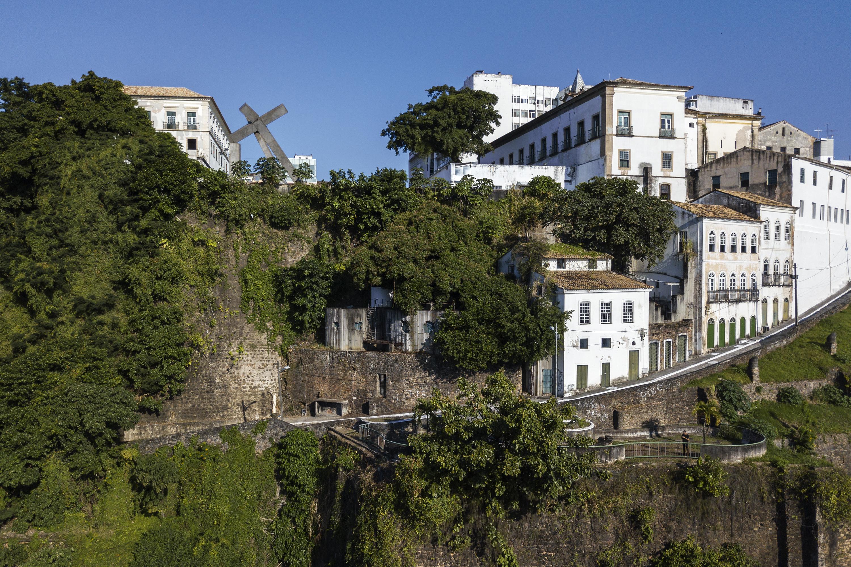 Ladeira da Misericórdia, em Salvador, é um local de extremo valor patrimonial em Salvador, com intervenção de Lina.