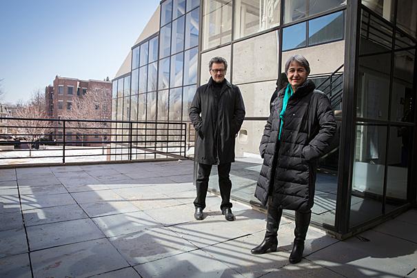 Lacaton e Vassal na Universidade de Harvard, onde foram professores visitantes.
