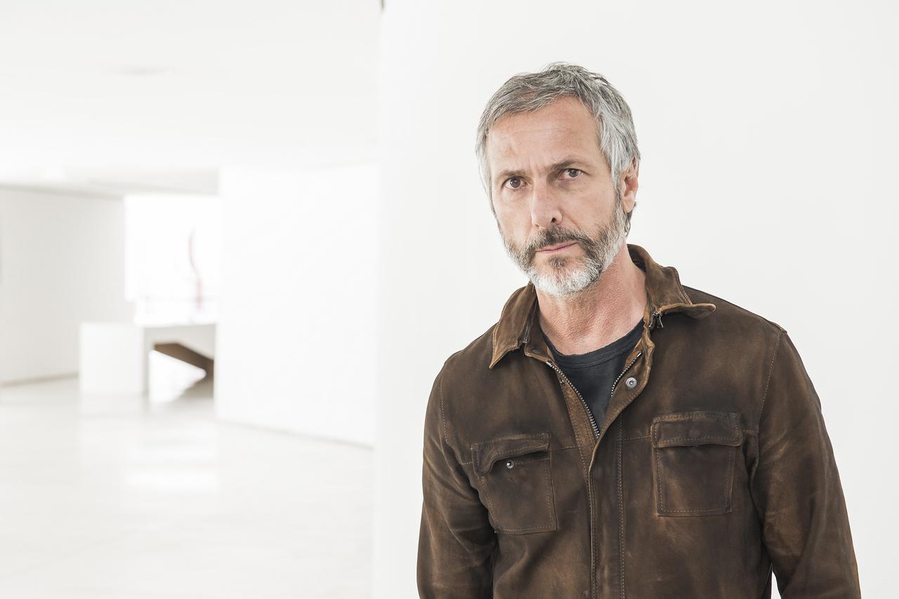 Humberto Campana é uma das referências máximas do design contemporâneo.