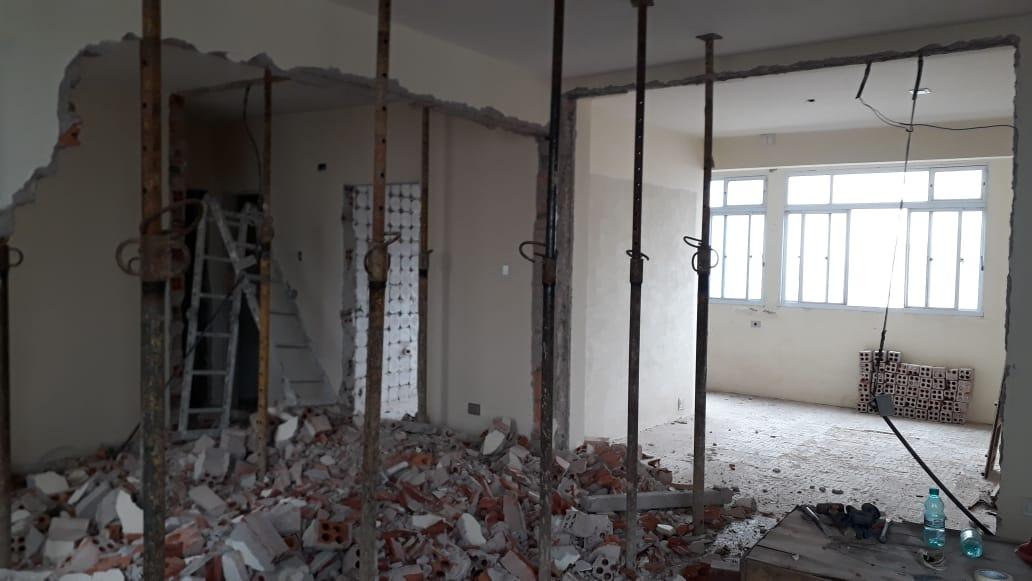 O apartamento de Kathleen em fase de reforma. Foto: Estúdio A/R.
