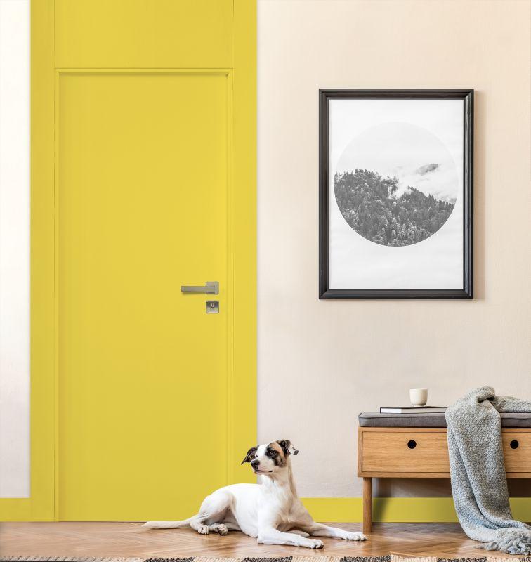 Porta laqueada da Pormade traz o amarelo vibrante eleito uma das cores do ano pela Pantone.