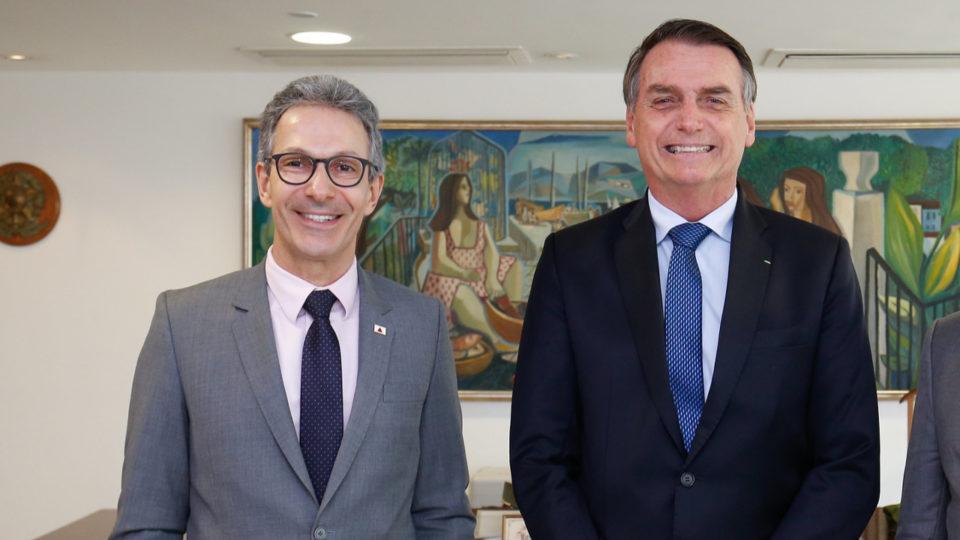 Zema aponta erros do governo federal na pandemia, mas evita críticas a Bolsonaro
