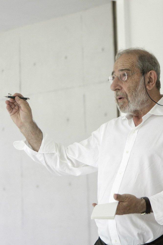 Alvaro Siza, quando recebeu o Leão de Ouro da Bienal de Arquitetura de Veneza pelo conjunto de sua obra em 2012.
