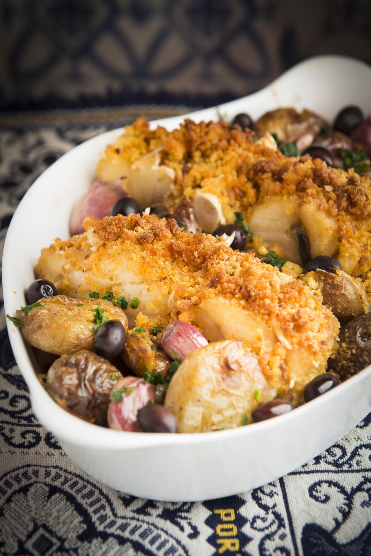 O Bacalhau à Lagareiro é considerado um dos pratos mais nobres feitos com o peixe. Foto: Letícia Akemi