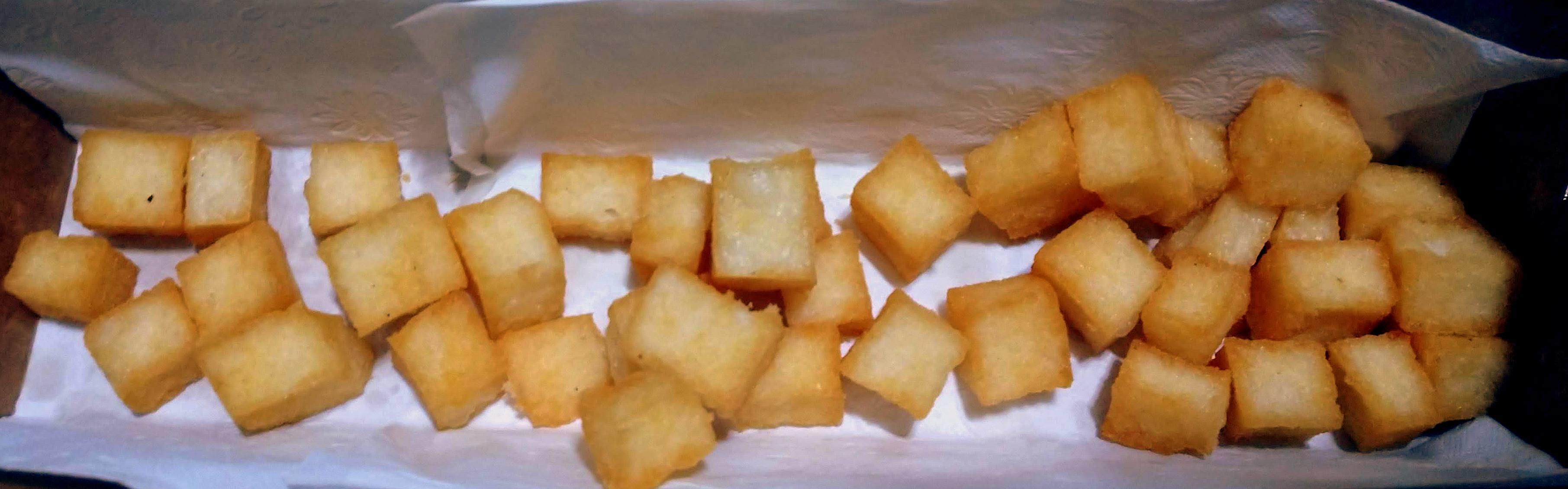 Polenta branca frita.