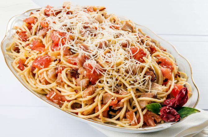 Spaghetti all'amatriciana. Foto: Letícia Akemi/Gazeta do Povo