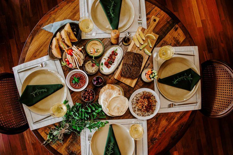 Menu do Mezmiz tem caixas gastronômicas de duas a quatro pessoas para serem compartilhadas por núcleos familiares diferentes. Foto: Divulgação.
