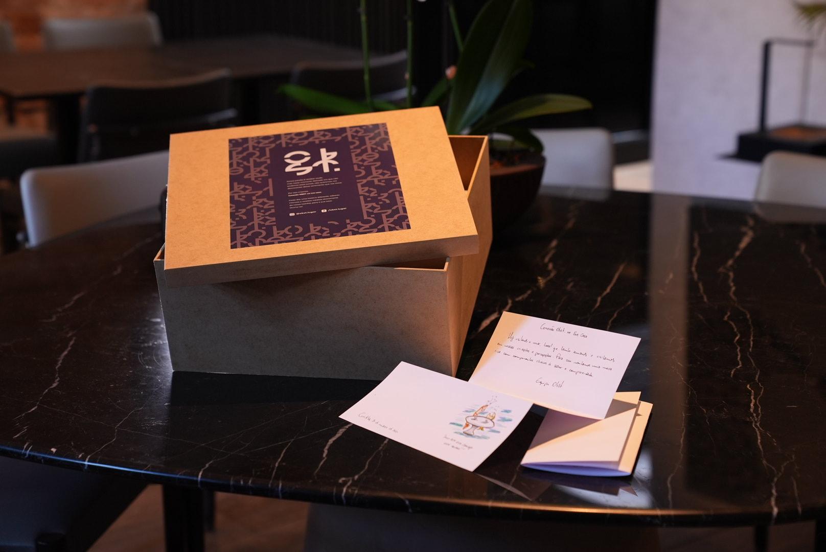 O menu degustação de Lênin Palhano é entregue em caixa personalizada. Foto: Estanis Neto