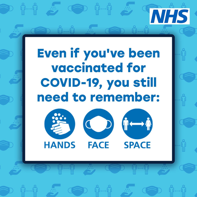 A vacinação rápida trouxe alívio, mas os alertas do governo aos britânicos por cuidados preventivos continuam.