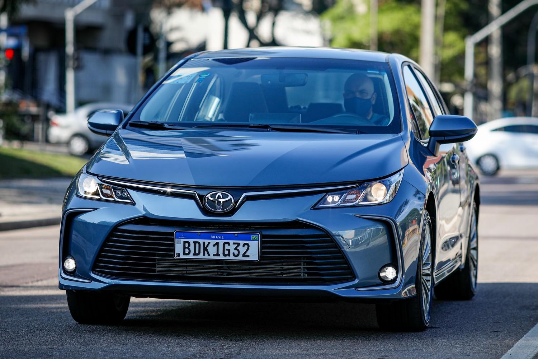 Toyota Corolla de dianteira