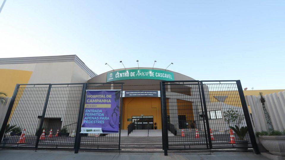 Primeiro hospital de campanha do PR, aberto e fechado às pressas, ainda pode reabrir