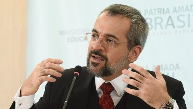 Weintraub funda associação para defender liberdades individuais e fala sobre restrições na pandemia