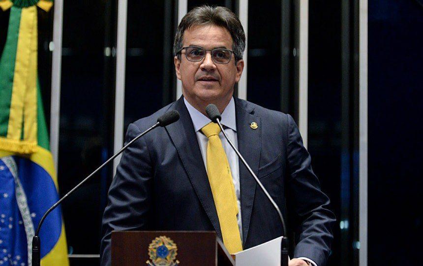 Aliado de Bolsonaro quer incluir governadores e prefeitos na CPI da Covid-19