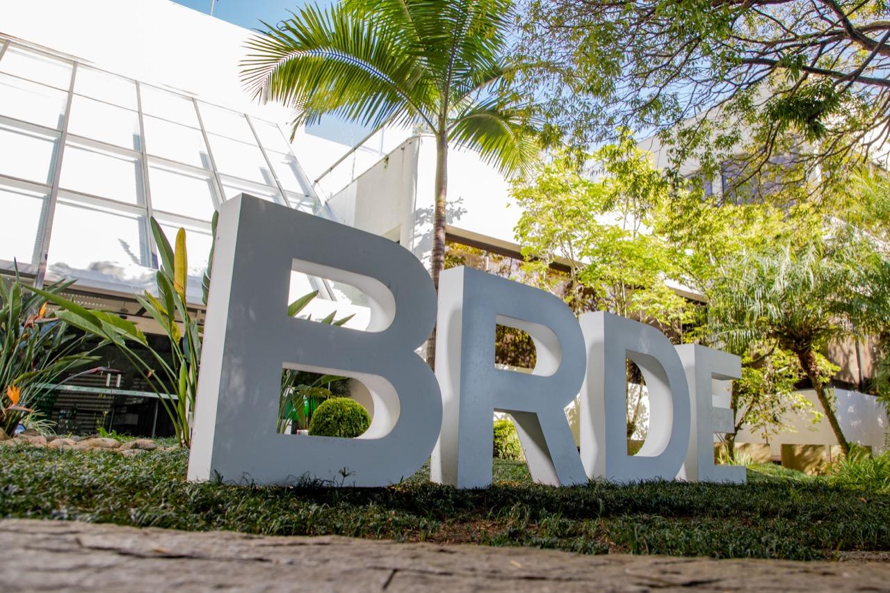 BRDE oferece várias linhas de financiamento para projeto de inovação no agronegócio.