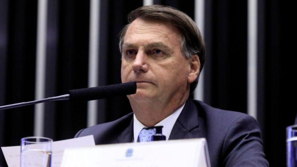 Bolsonaro sanciona com vetos MP que permite privatização da Eletrobras