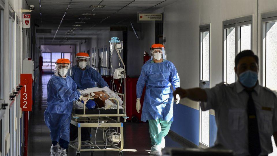 No pico da pandemia, governantes argentinos hesitam em aumentar restrições