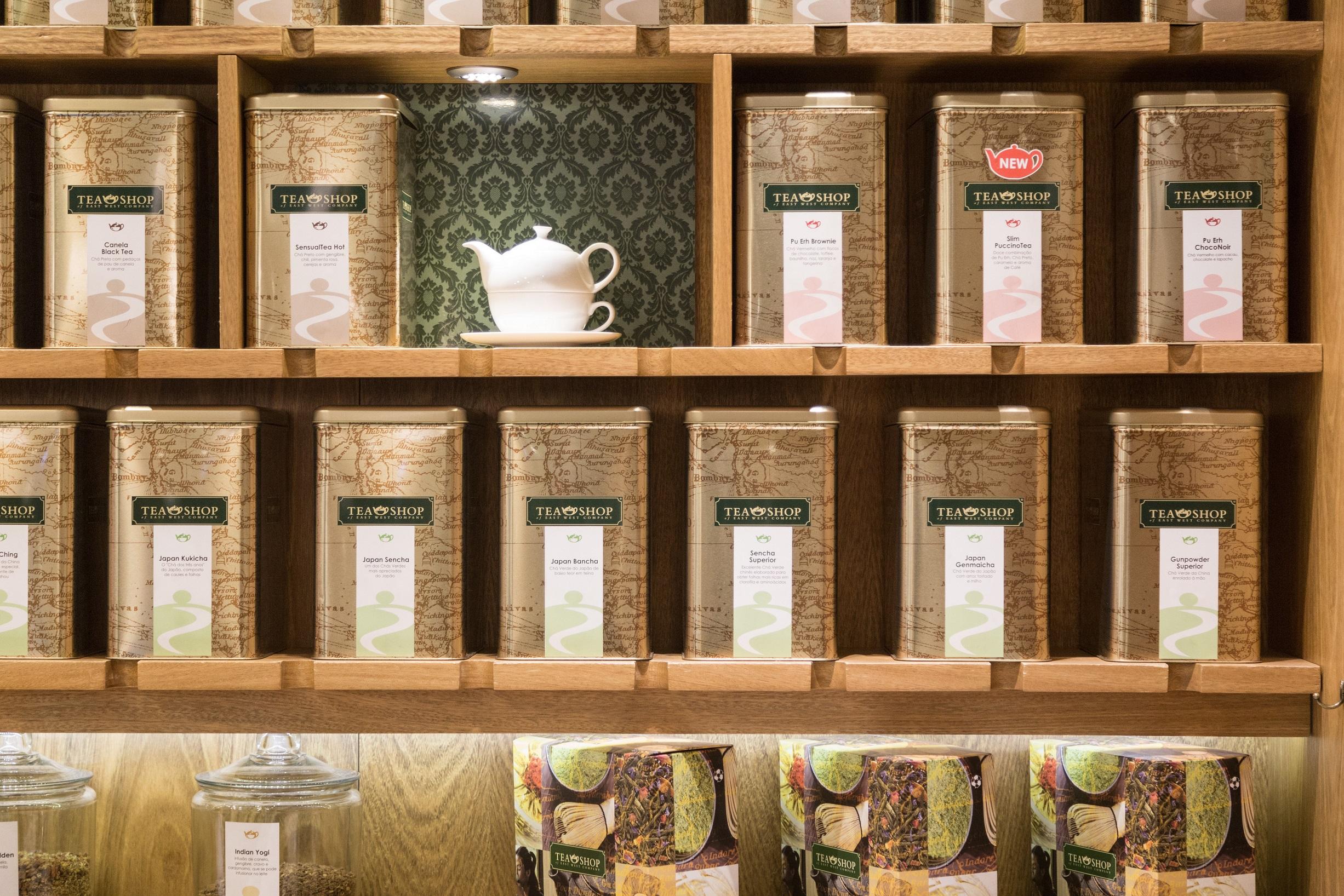 A loja tem mais de 130 mesclas, desenvolvidas em laboratórios na Europa a partir de folhas rastreadas.