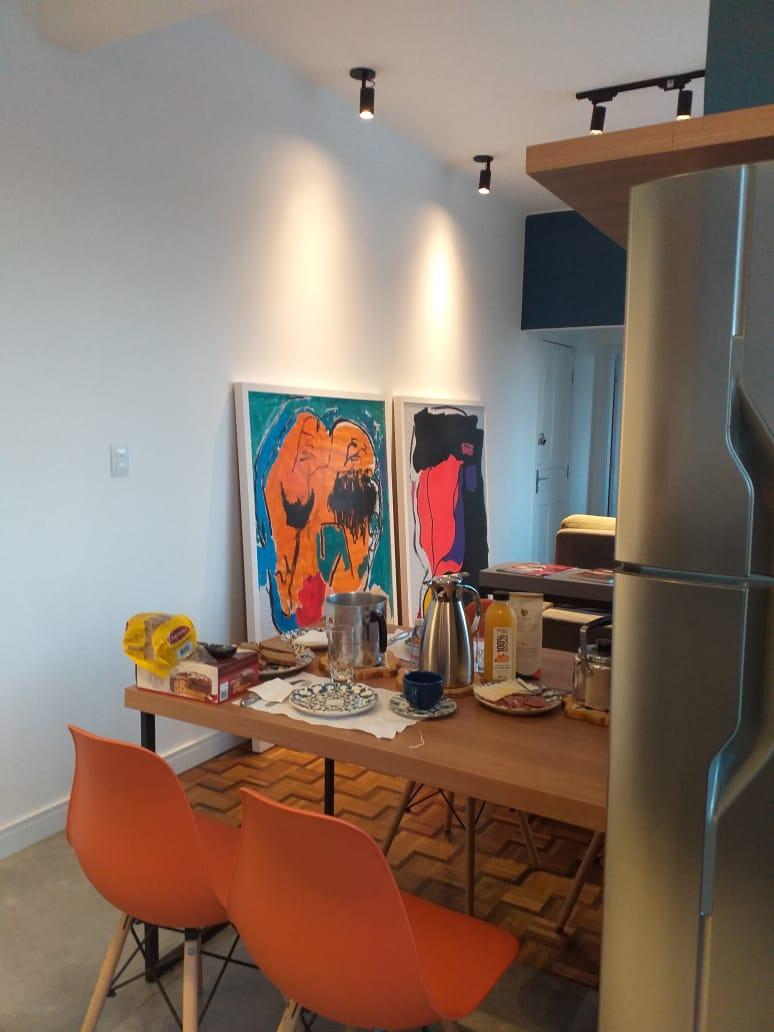 Obras de arte de Cintia Ribas são destaques na área social.