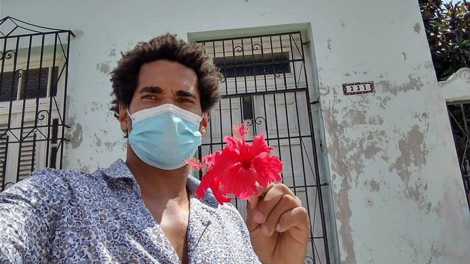 O artista e ativista opositor cubano Luis Manuel Otero Alcántara, que começou uma greve de fome para protestar contra a perseguição do regime de Cuba