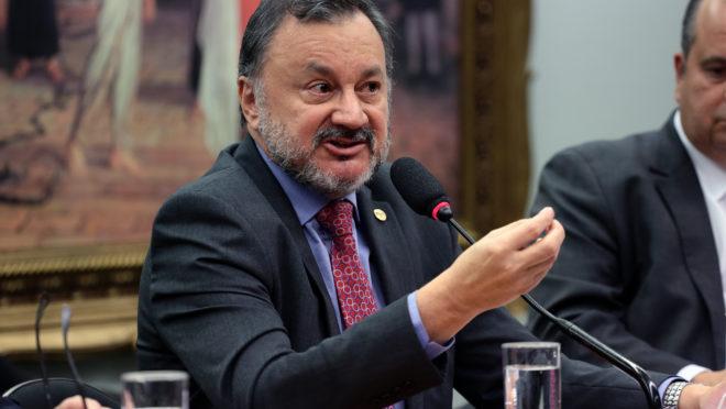 Ministro Walmir Oliveira da Costa, do TST, morre por complicações da  Covid-19