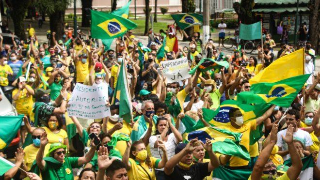 Bolsonaristas fazem atos pró-presidente em SP, Brasília e outras cidades