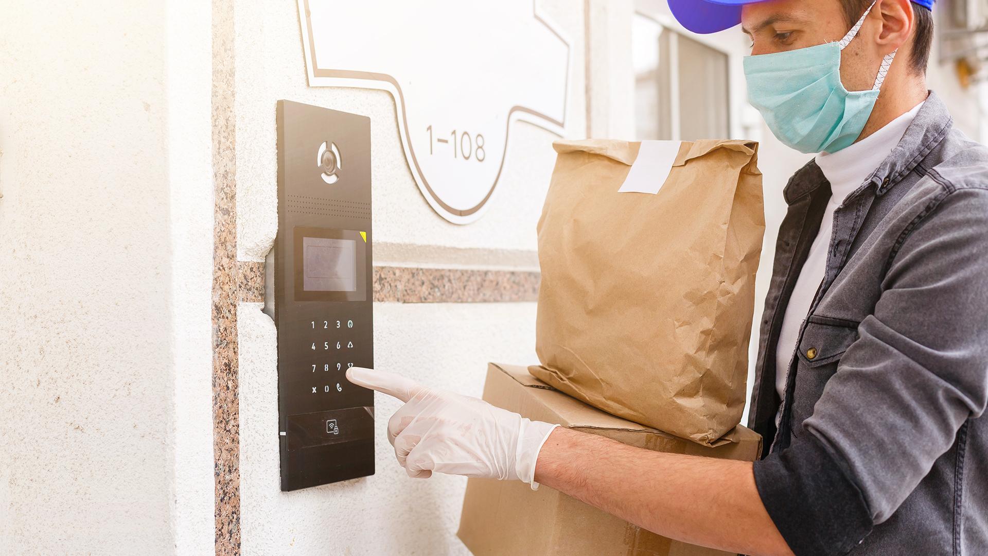 Com cardápio digital exclusivo, o restaurante evita gastos com plataformas de pagamento e pode reforçar as entregas sem contato.