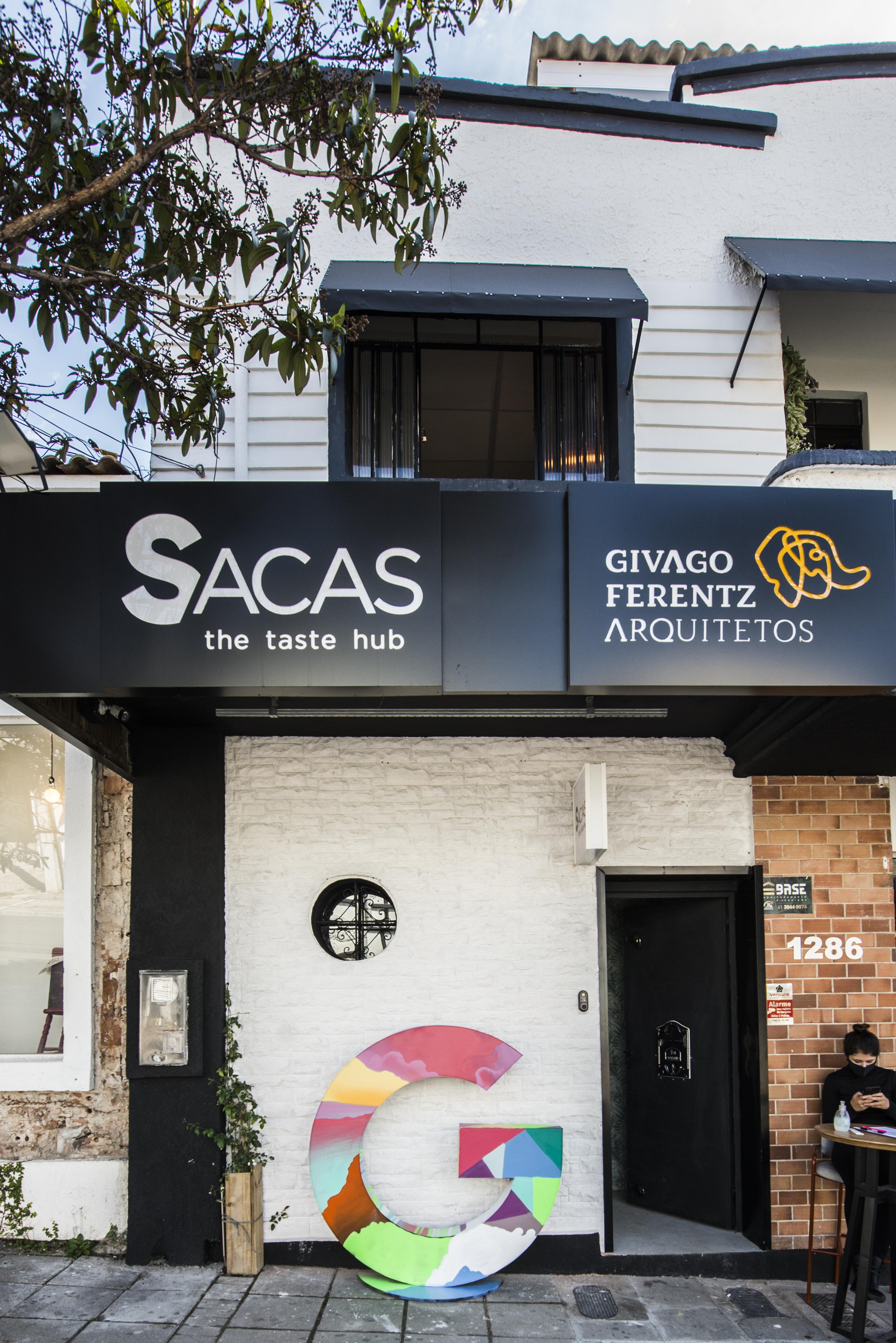 O hub gastronômico Sacas fica na efervescente Alameda Doutor Carlos de Carvalho. Foto: Letícia Akemi