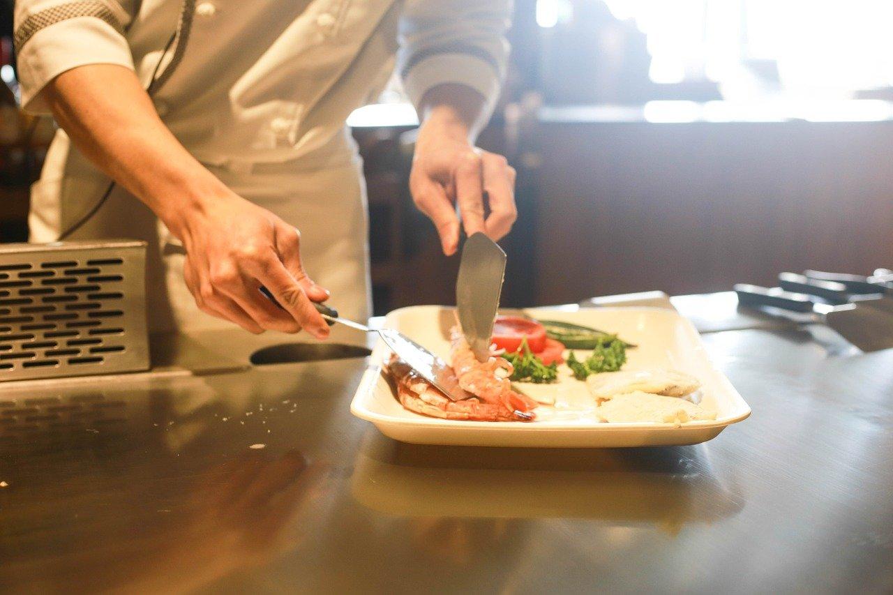 Um chef de cozinha também precisa entender de gestão. Foto: Pixabay