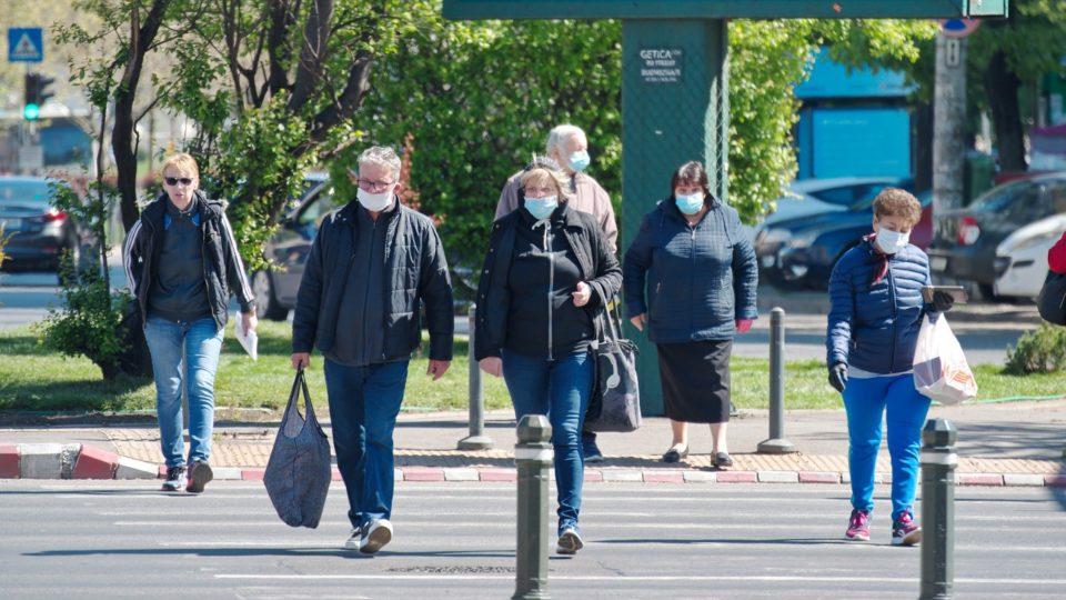 Americanos vacinados não precisarão mais usar máscaras na maioria dos casos