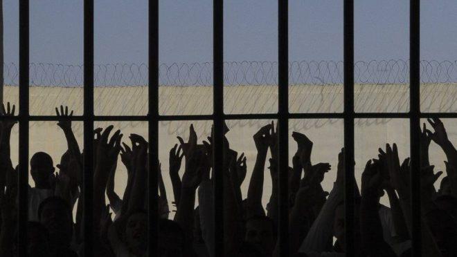 Desencarceramento em massa: medida é positiva para resolver os problemas do sistema prisional?